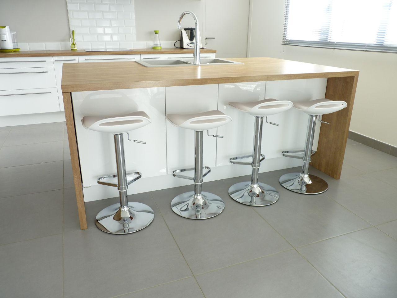 Meuble cuisine blanc et bois id e pour cuisine - Idee meuble cuisine ...