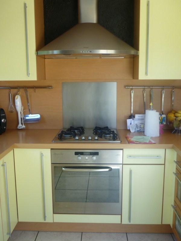 Meubles de cuisine jaune paille - Idée pour cuisine