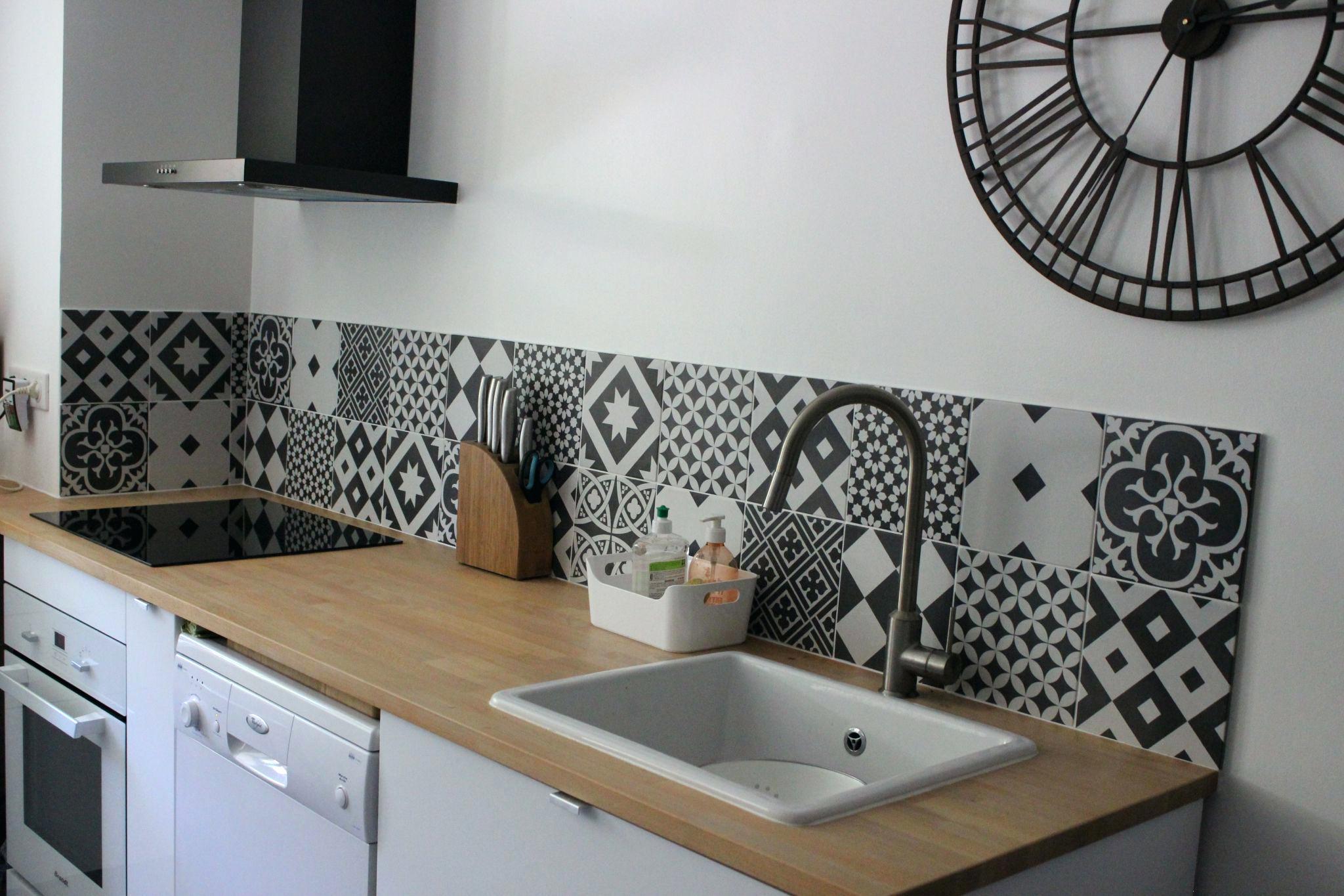 Credence cuisine effet carreau de ciment id e pour cuisine - Carreau ciment cuisine ...