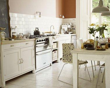Relooker sa cuisine rustique blanc cassé