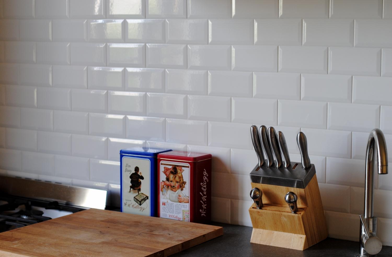credence carrelage sans joint id e pour cuisine. Black Bedroom Furniture Sets. Home Design Ideas