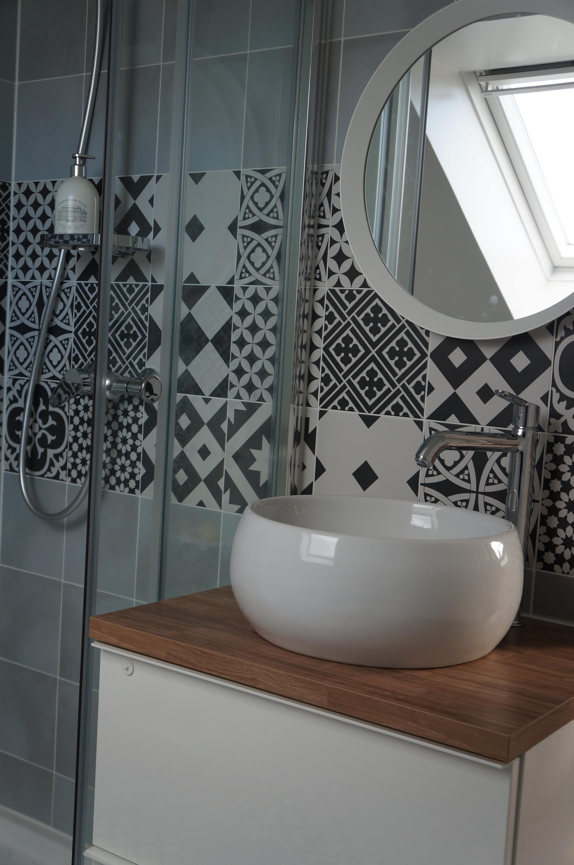 Carreau de ciment credence salle de bain - Idée pour cuisine
