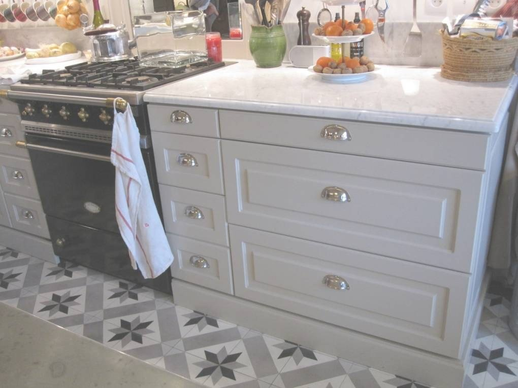 poign e meuble cuisine pas cher id e pour cuisine. Black Bedroom Furniture Sets. Home Design Ideas