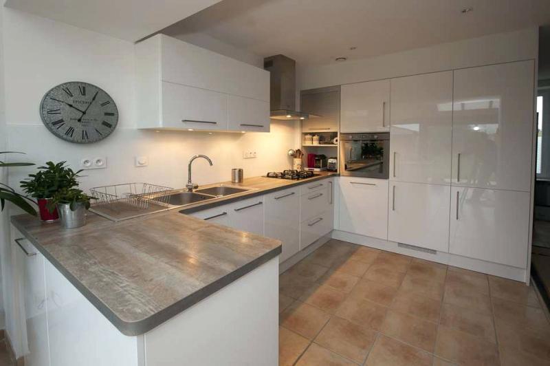 Meuble haut cuisine laqu id e pour cuisine - Meuble de cuisine blanc laque ...