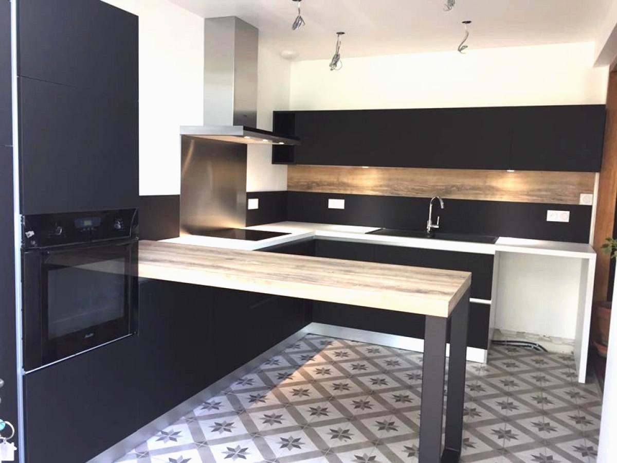 credence verre cuisine schmidt id e pour cuisine. Black Bedroom Furniture Sets. Home Design Ideas