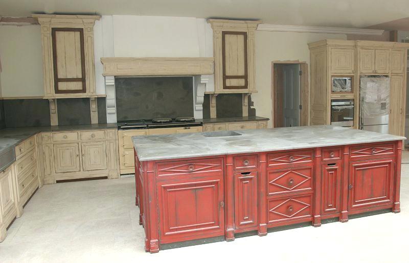 Peinture renovation cuisine rouge id e pour cuisine - Renovation cuisine rustique ...